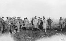 THE CHRISTMAS TRUCE ON THE WESTERN FRONT, 1914 (Q 50719) British and German troops meeting in No-Man's Land during the unofficial truce. (British troops from the Northumberland Hussars, 7th Division, Bridoux-Rouge Banc Sector). Copyright: © IWM. Original Source: http://www.iwm.org.uk/collections/item/object/205022262