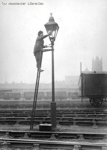 2 WW lamps